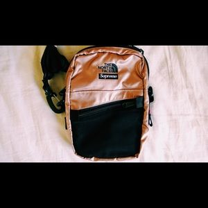 Supreme x The North Face Shoulder bag